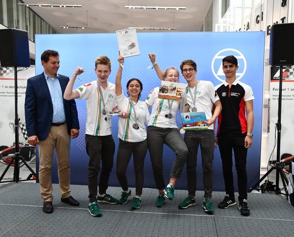 2. Platz Senioren-Team Unity Racing Formel 1 in der Schule Deutsche Meisterschaft 2018