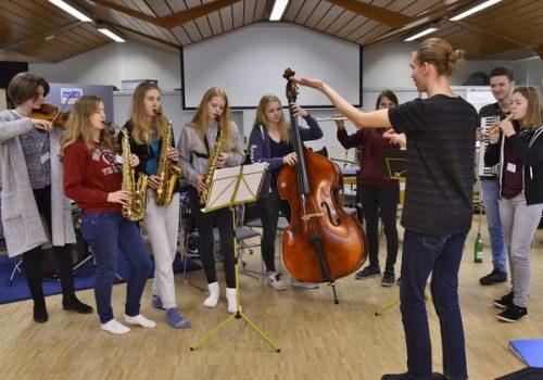 """Wieder werden 40 Jugendliche zu """"musiktutor*innen sh"""""""