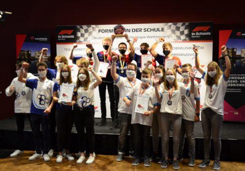Formel 1 in der Schule: zwei norddeutsche Teams fahren zur Weltmeisterschaft