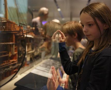 """""""Von hier nach dort"""" im Altonaer Museum"""